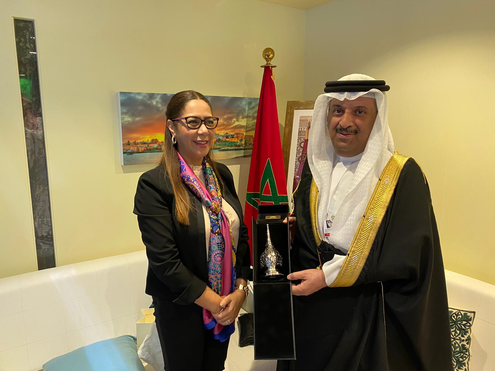 الشيخ عبد الله بن أحمد يستعرض أهم البرامج الإسكانية مع وزيرة الإسكان المغربية