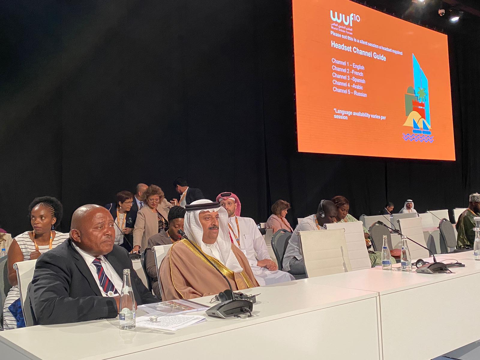 """وكيل وزارة الإسكان"""" يؤكد مواصلة تنفيذ جميع البرامج اللازمة لتحقيق أهداف التنمية المستدامة"""""""