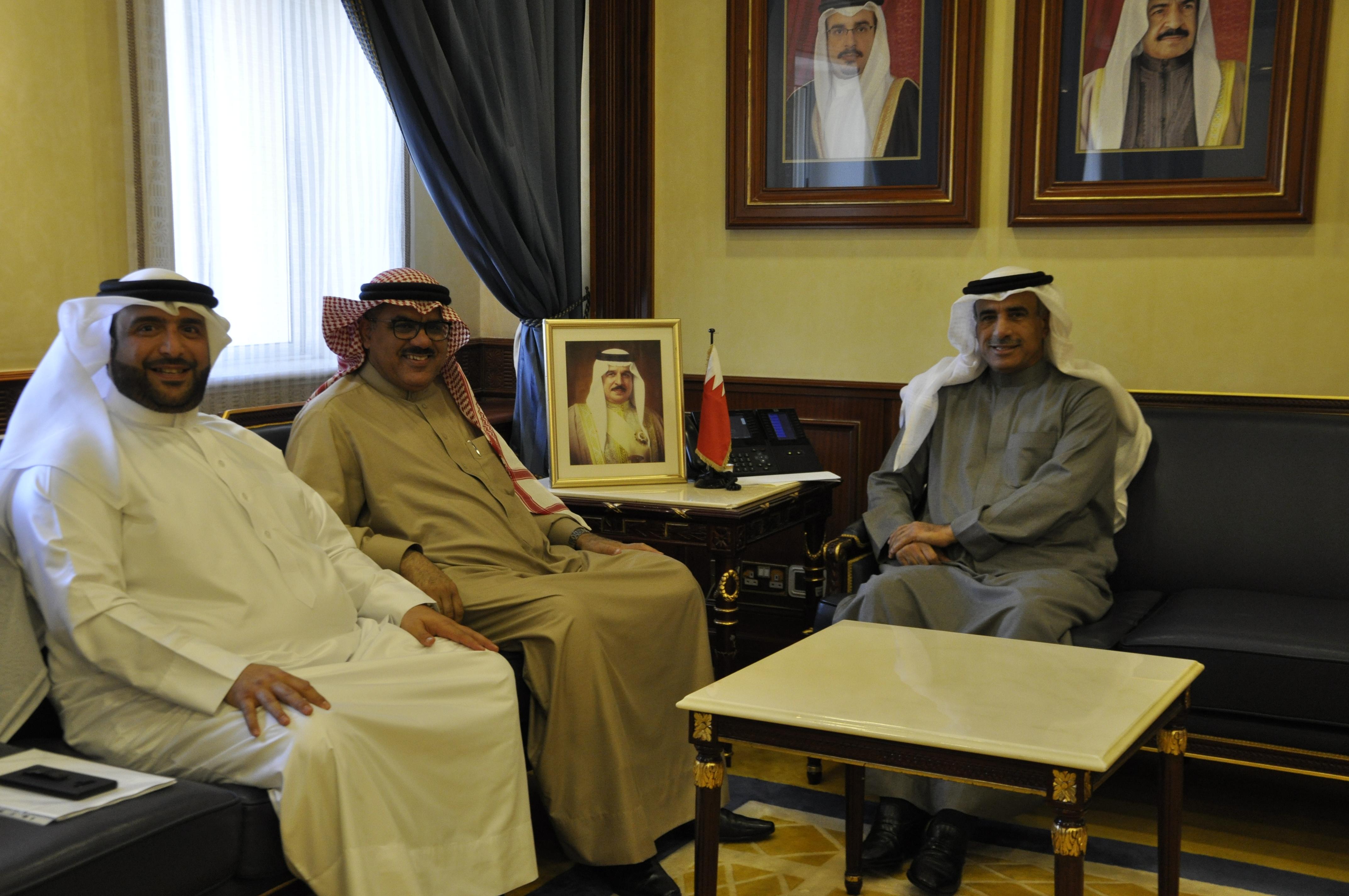 وزير الإسكان يستقبل النائبين عبدالله الذوادي وباسم المالكي