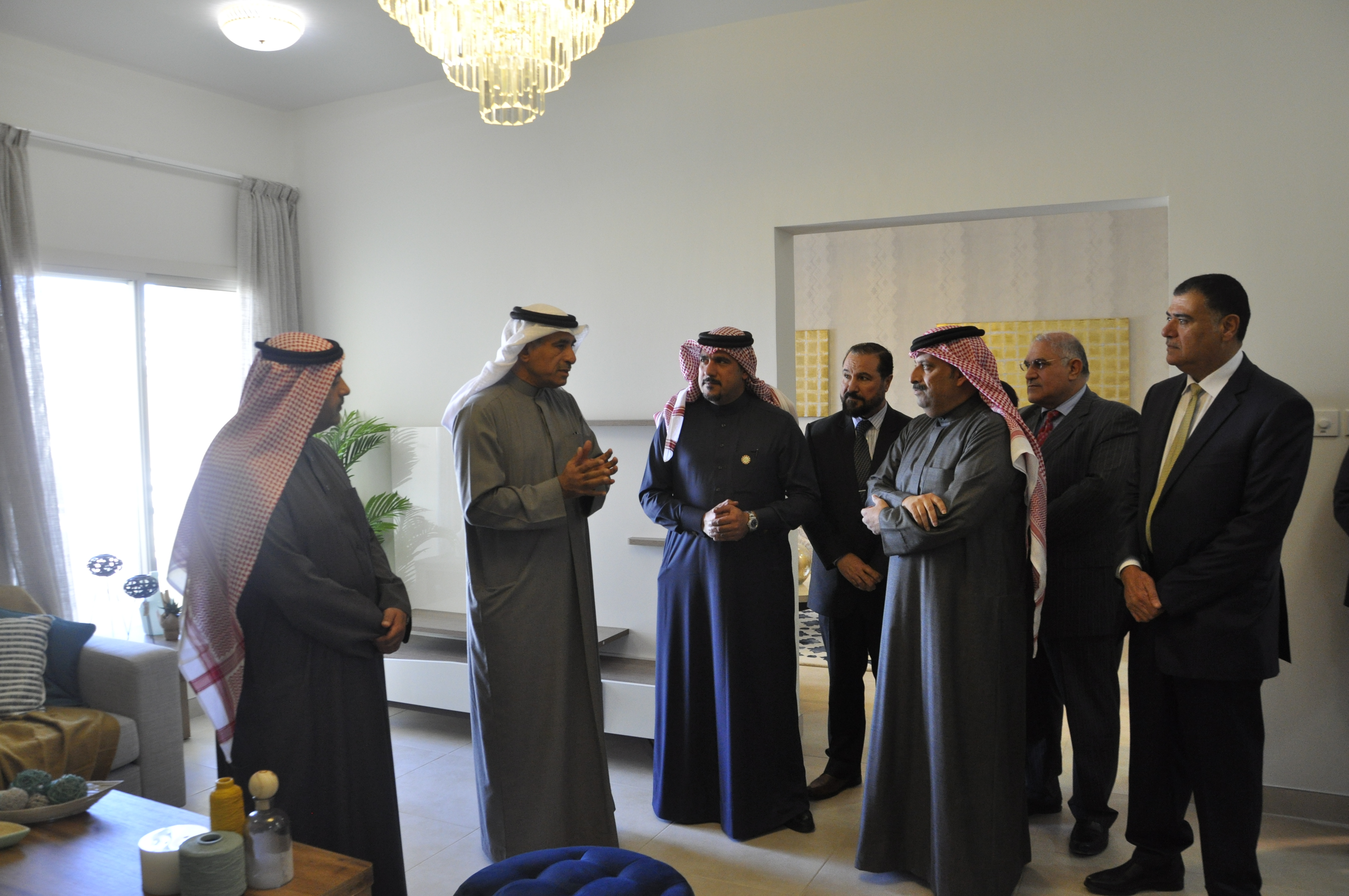 """وزير الإسكان يتفقد مشروع عمارات """"الجفير"""" الإسكاني"""