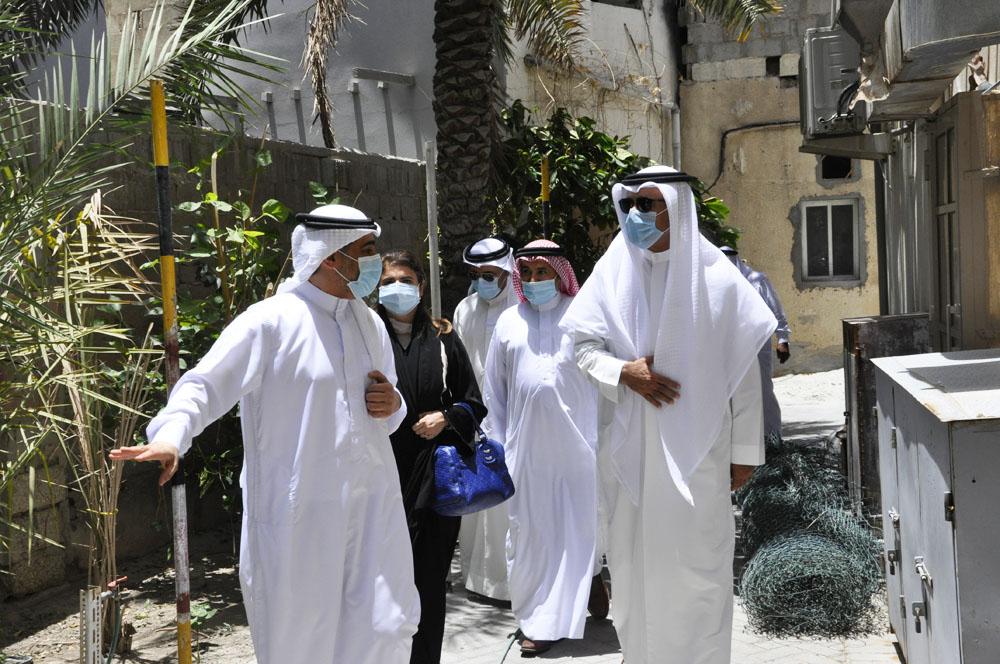 تنفيذاً لتوجيهات صاحب السمو الملكي رئيس الوزراء الموقر / وزير الإسكان يتفقد الاحتياجات الإسكانية لأهالي