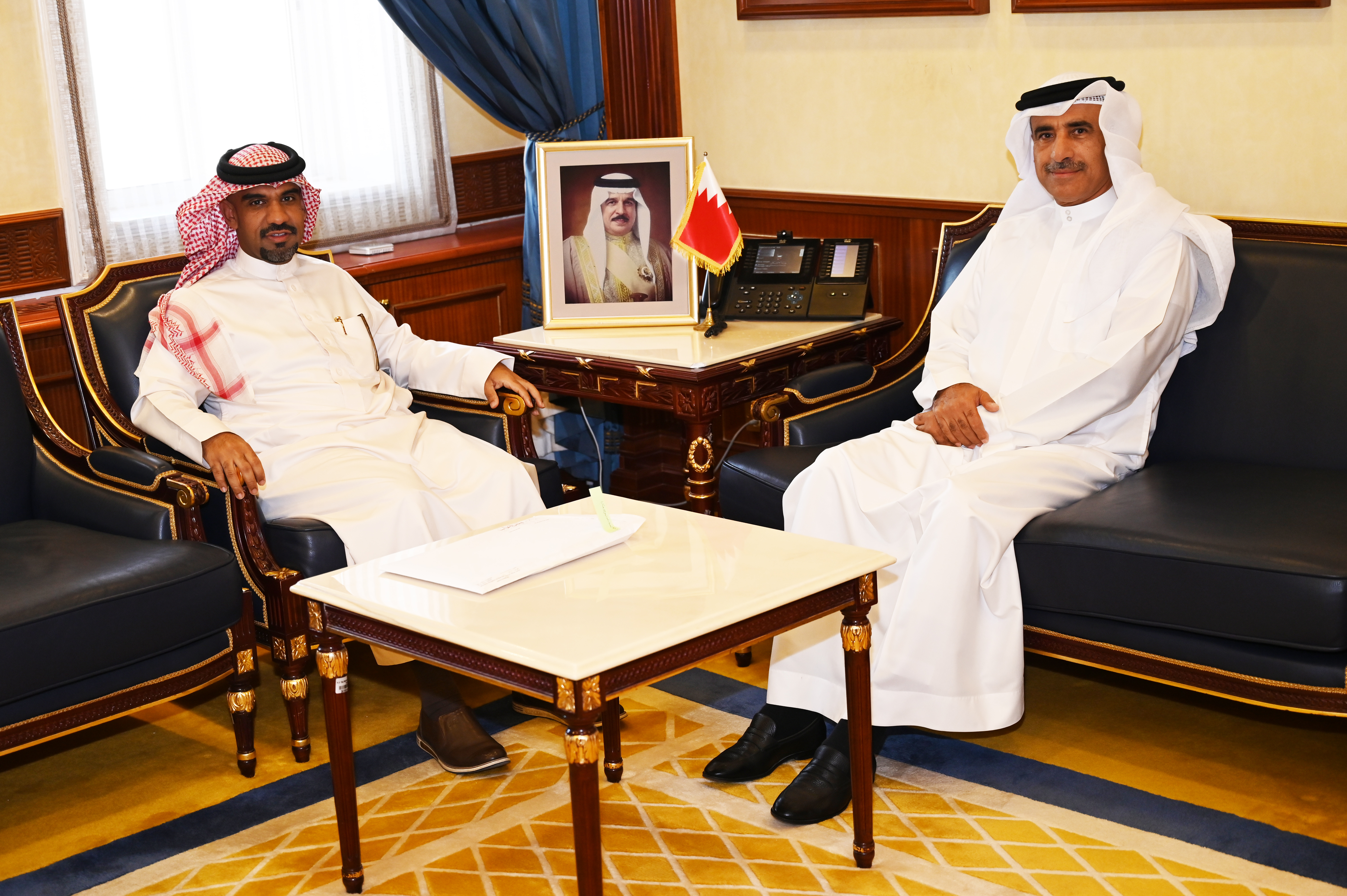 وزير الإسكان يستقبل النائب عبدالله الدوسري