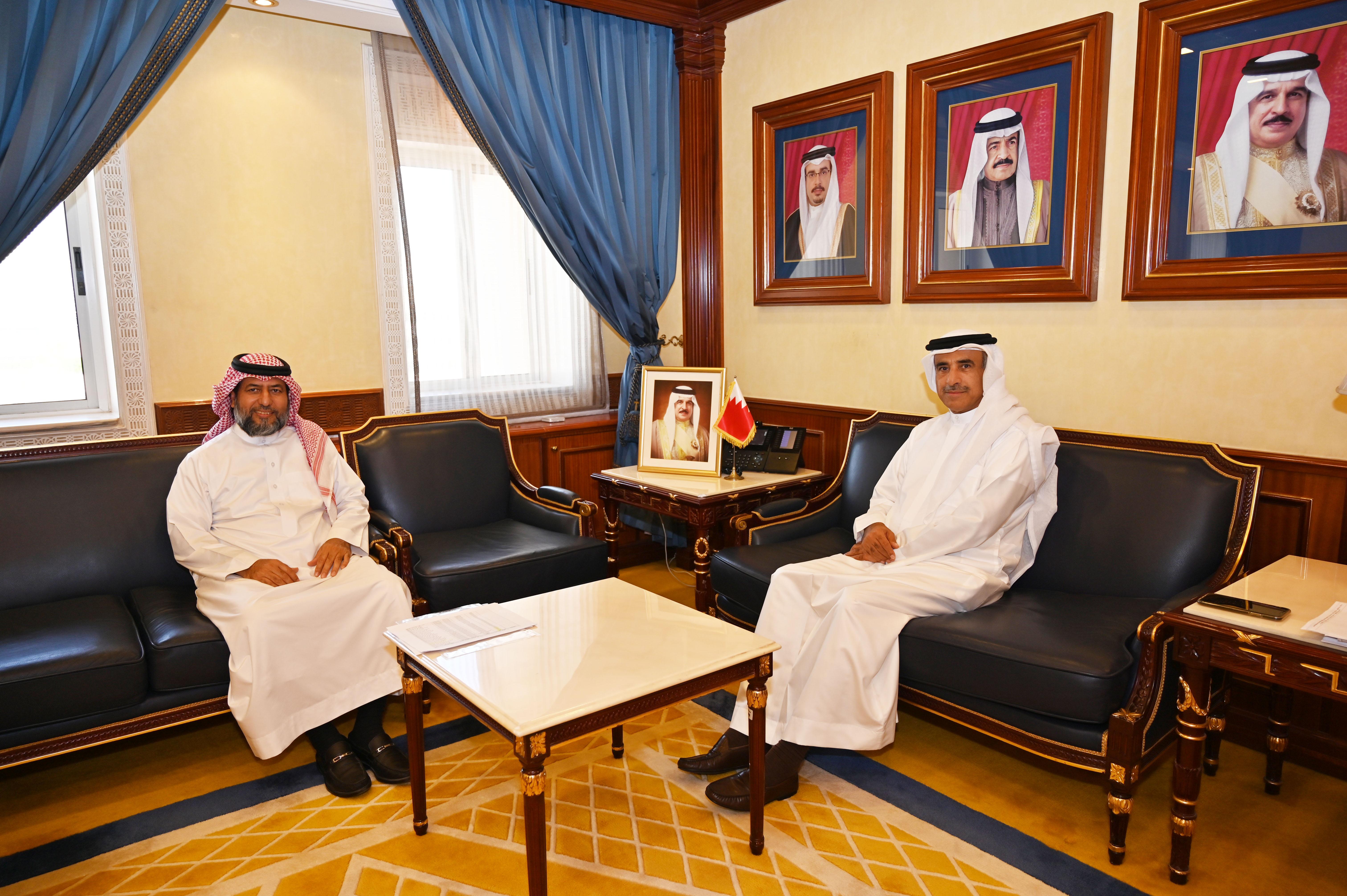وزير الإسكان يستقبل النائب محمد بوحمود