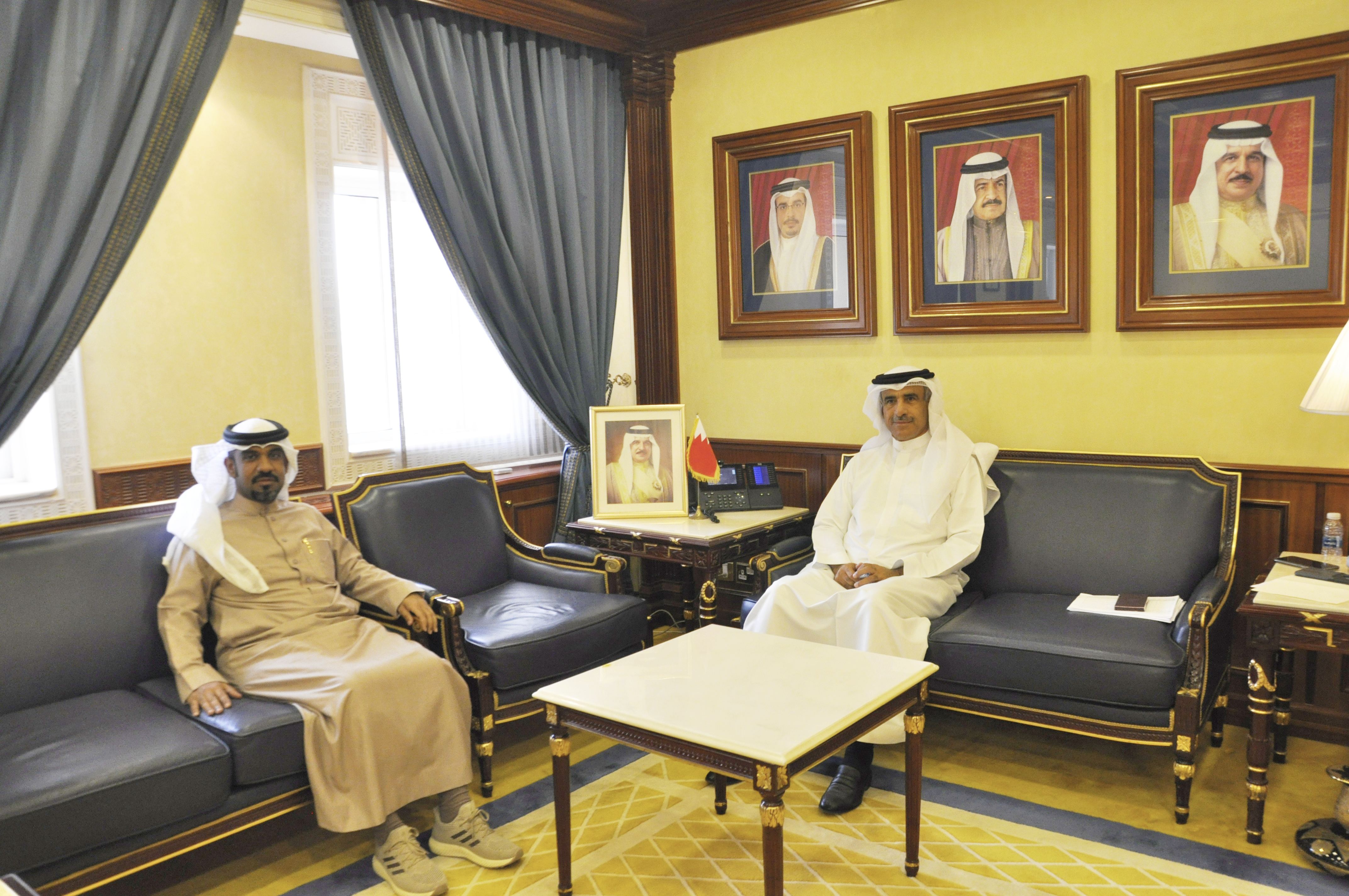 وزير الإسكان يستقبل النائب عبد الله الدوسري