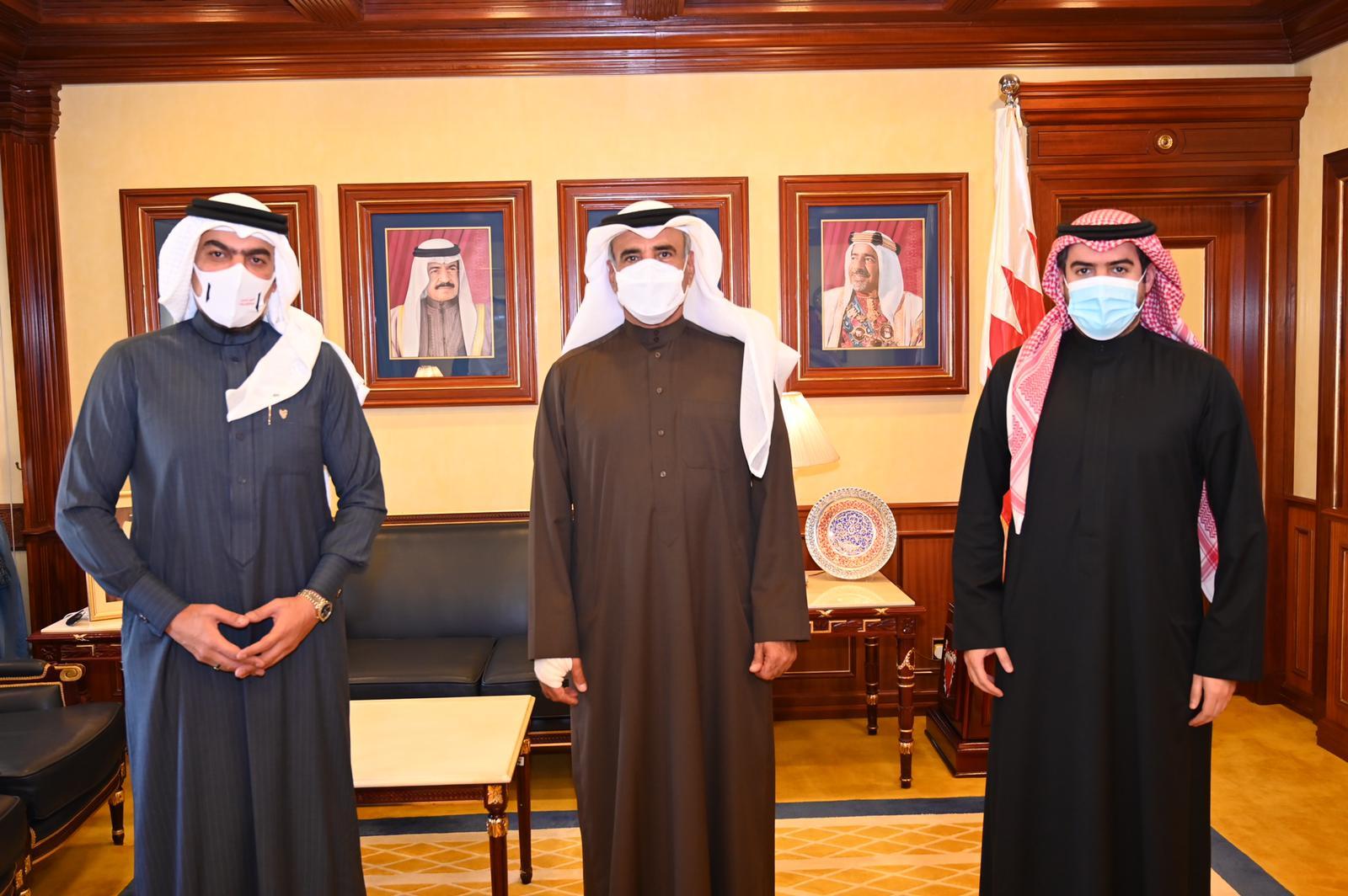 وزير الإسكان يستقبل النائب حمد الكوهجي