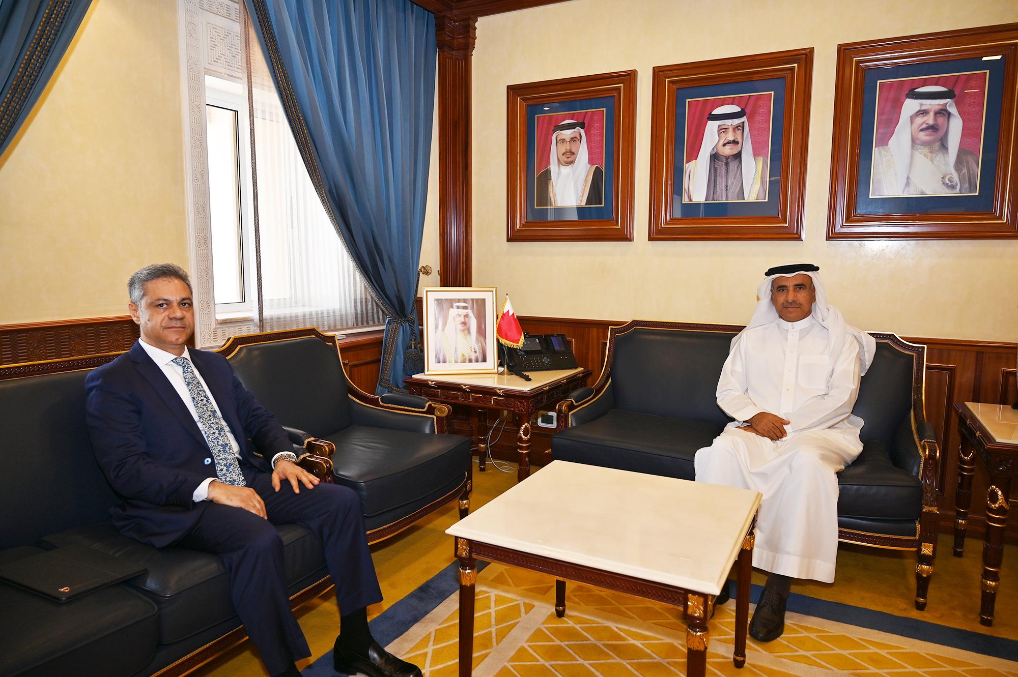 وزير الإسكان يستقبل الدكتور محمد علي حسن عضو مجلس الشورى